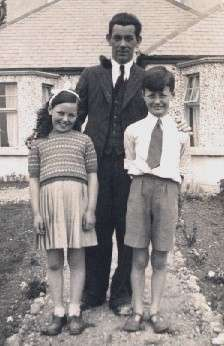Hester, Edmond and Patrick Tierney in Athlone 1941